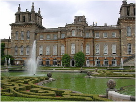 Blenheim Palace courtyard